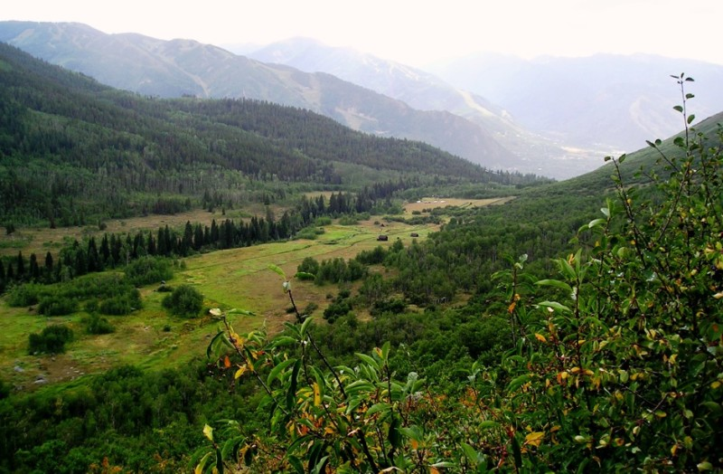 The beautiful, and popular, Hunter Creek valley above Aspen.
